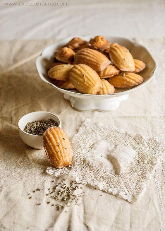 Madeleines de Commercy - Receta e historia de madeleines de Commercy, similares a magdalenas con forma de concha. Con fotos paso a paso y consejos para que salgan perfectas.