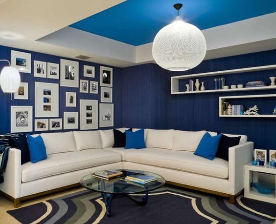 Elige en tu decoración los tonos en azul, un color fácil de combinar, moderno y elegante, ideal para interiores.