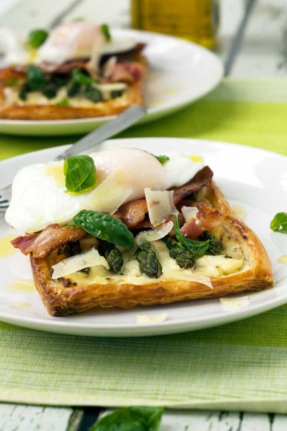 Amazing for SO many reasons ... but I would love to see this at a girlfriends gathering. Served with a light white wine. asparagus brunch tart with parmesan & basil