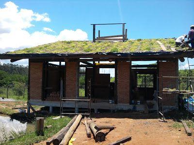CasaEco Arquitetura e Design: Casa Ecológica - Montagem do Telhado Verde