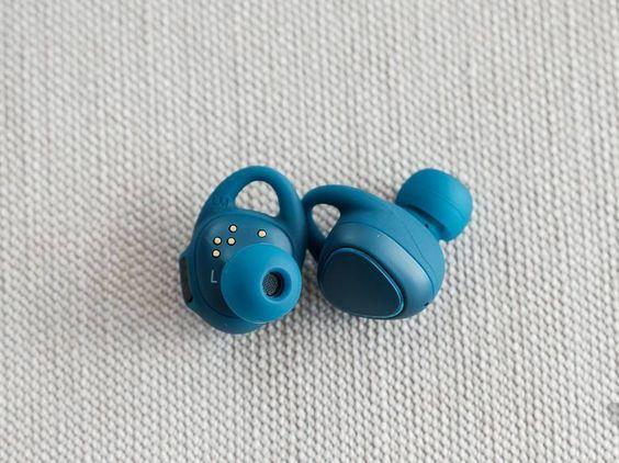 Samsung lança Gear IconX, seu fone de ouvido totalmente sem fio - Samsung