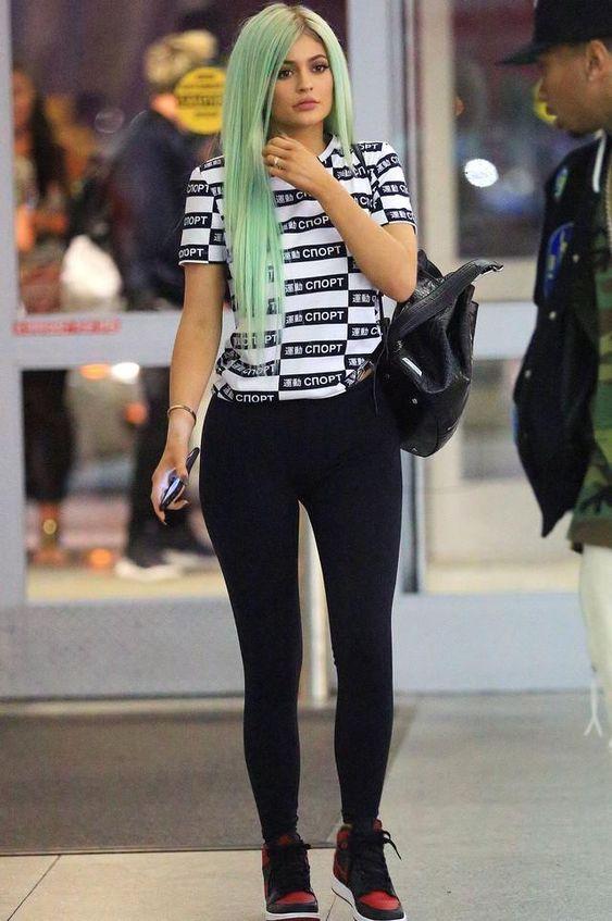 Kylie Jenner Wearing Elizabeth And James Cynnie Sling Bag