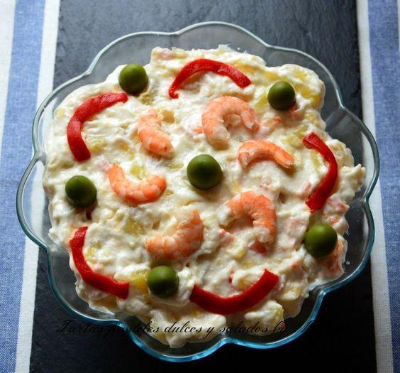 Ensaladilla de patatas y gambas con mayonesa de leche | Cocinar en casa es facilisimo.com