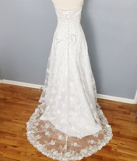 SALE 50% off Sweetheart lace wedding dress lace up by luxycorner