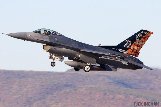 General Dynamics F-16C Fighting Falcon - 88-0520 - USAF