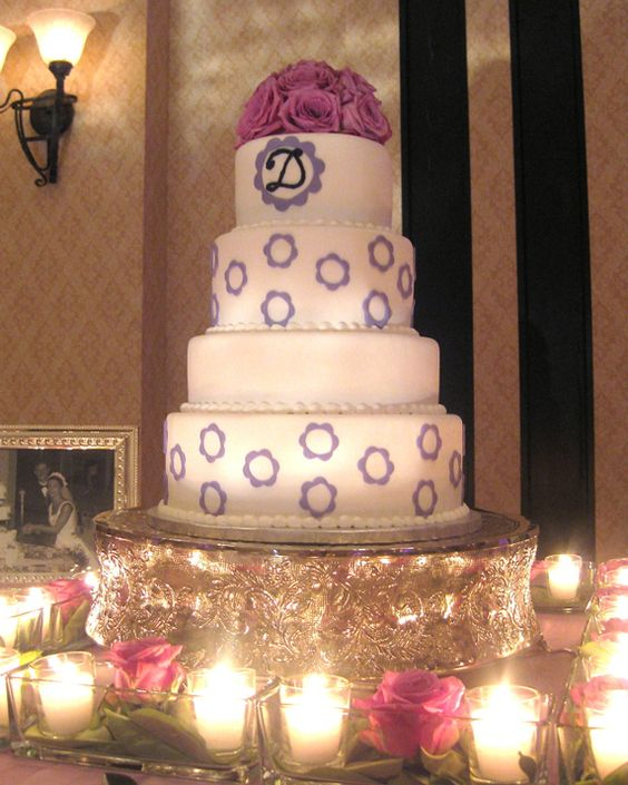 Lilac Motif White Wedding Cake Picture