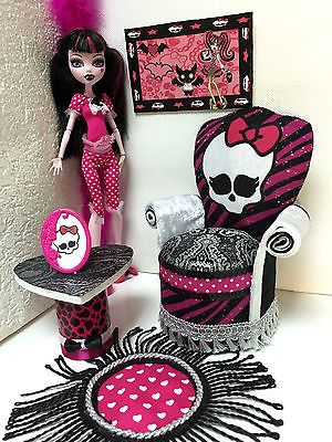 pinkrosemh-Couch-Moebel-fuer-Barbie-Puppenstube-Monster-Puppe-30cm-High-Draculaura
