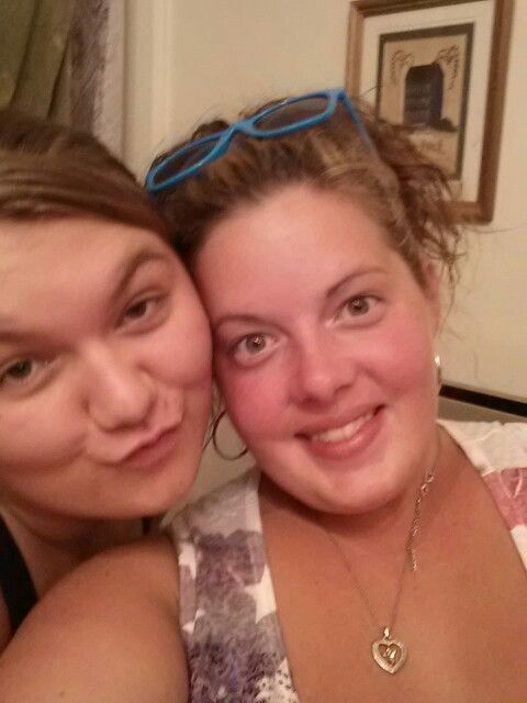 My friend Hannah she can cheer u up when you have a bad case of the blues. Sweetie oie n one hell of s mama.