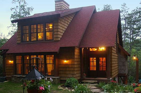Craftsman window and house on pinterest for Lake house plans for sloping lots