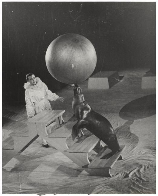 Au cirque. Alexandre Rodtchenko, 1938.