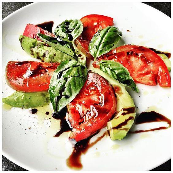 Avocado Caprese makes the perfect snack! ❤️  #avocado #recipe #eatclean   Elizabeth Rider