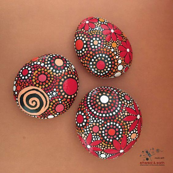 Pintado de las rocas dise o inspirado en el mandala arte for Pintura para pintar piedras