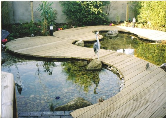 Have a look at some great examples of zen garden designs below and get inspired!