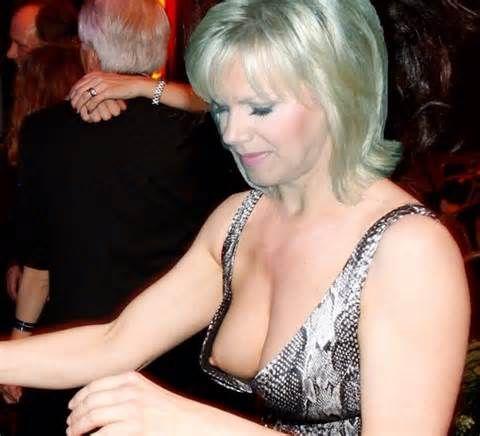 Emma starr pierced nipples milf