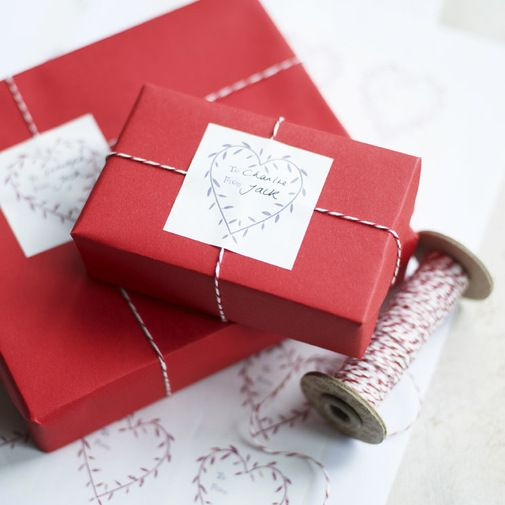 Love this wrapping.  So simple and pretty.