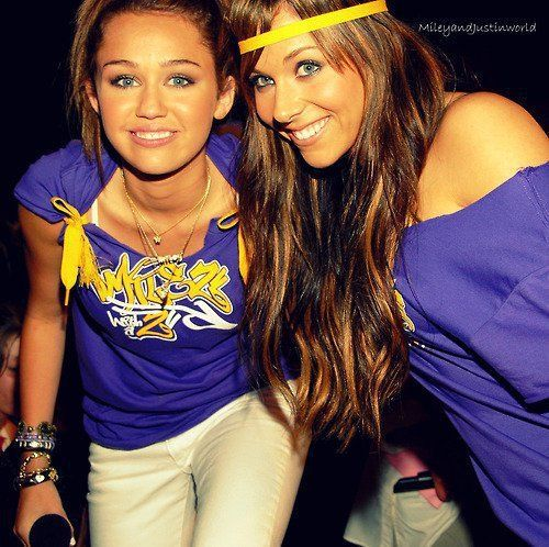 http://images5.fanpop.com/image/photos/30500000/miley-mandy-hannahm4e-30516085-500-498.jpg