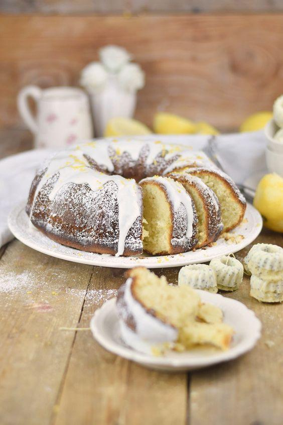 Zitronen Joghurt Gugelhupf - Lemon Yogurt Bundt Cake #lemon #zitrone #gugelhupf #bundtcake | Das Knusperstübchen