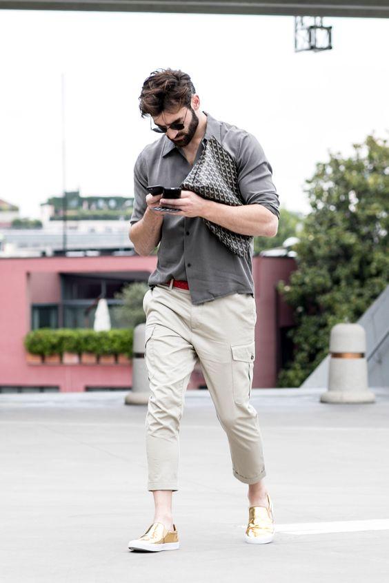 シャツ×カーゴパンツ