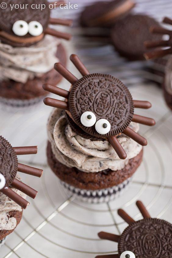 Halloween Oreo Spider Cupcakes That Kids Can Help Make Goruntuler