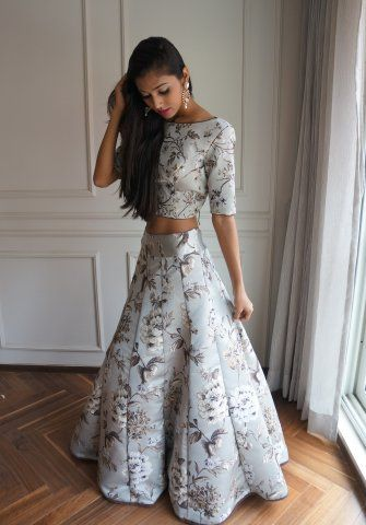 6 Best Websites To Rent Wedding Outfits in India | Indian