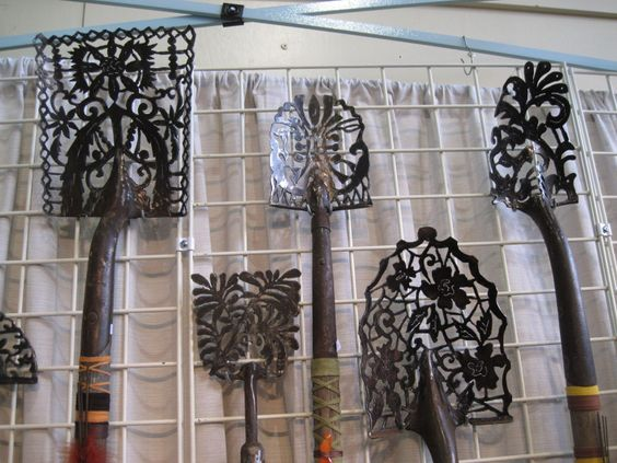 yard art ideas | Shovel heads turned into lace from Kelly Phipps Metalworks: