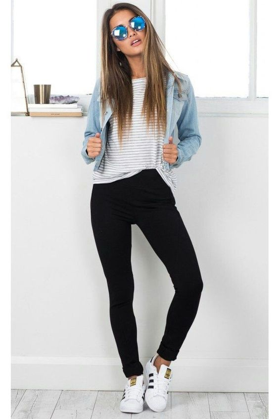 Awesome 44 Cool Trends Clothes Back To School Outfits Ideas For Teens. More at https://trendfashioner.com/2018/04/18/44-cool-trends-clothes-back-to-school-outfits-ideas-for-teens/