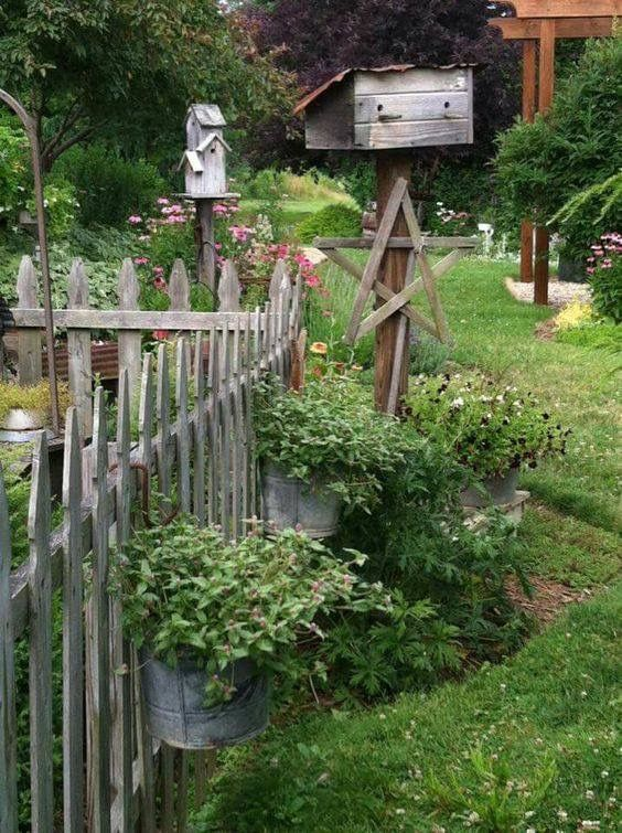 Pin By Susanne Schulz On Cottage Garden Rustic Garden Fence Rustic Gardens Cottage Garden