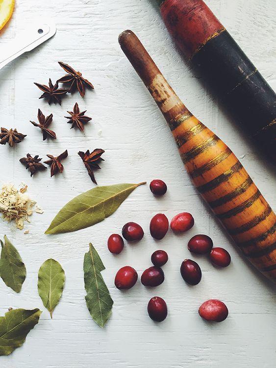 Para perfumar os ambientes para o Natal: https://www.casadevalentina.com.br/blog/INSPIRA%C3%87%C3%83O%20DIY%20%7C%20PERFUME%20DE%20AMBIENTES%20PARA%20O%20NATAL ---------------------------  To perfume environments for Christmas: https://www.casadevalentina.com.br/blog/INSPIRA%C3%87%C3%83O%20DIY%20%7C%20PERFUME%20DE%20AMBIENTES%20PARA%20O%20NATAL