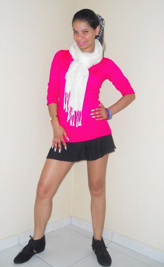 Look do dia!!! Mini saia + Suéter Alongado+ cachecol+ Bonitinha de Camurça