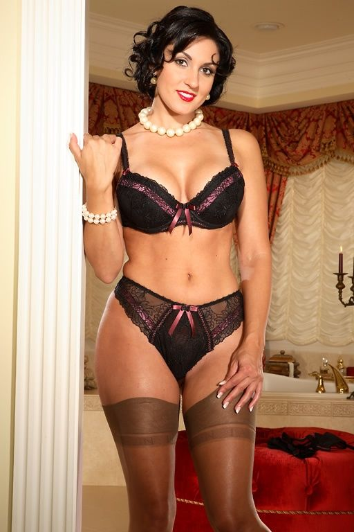 Lingerie Mature Gallery 66