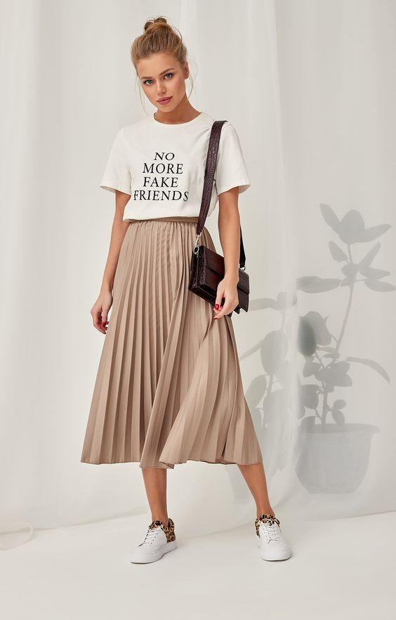 Плиссированная юбка-миди в актуальном пастельном цвете H.I.T. 1160855, купить за 3990 руб в интернет-магазине TopTop.ru