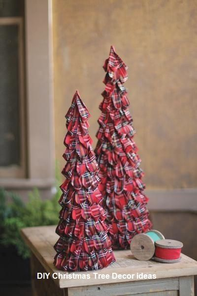 11 Amazing And Ingenious Christmas Tree Toppers 1 Christmas Tree Decorations Tartan Christmas Plaid Christmas Tree