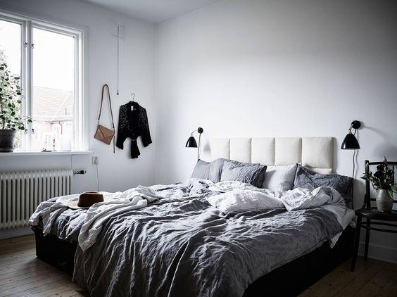 bedroom in ceramist Elin Lannsjös stunning home, via http://www.scandinavianlovesong.com/
