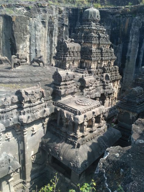 Estimated to be ~10,000 yrs old. Kailash Temple, Ellora Caves, India has been carved out of single rock, top-down (Yes, top-down!) - 9GAG