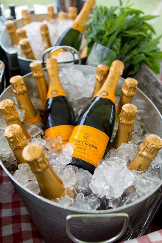 Veuve Cliquot half Bottle - Champagnes.nl: