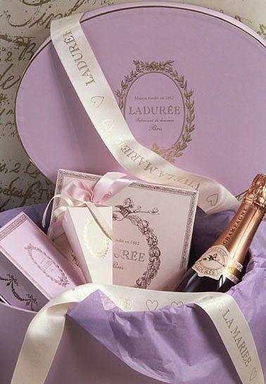 lavender laduree....one of my favorite things...