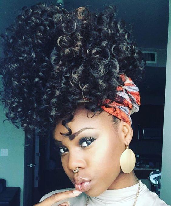 Pineapple goals  @phyliciabenn #naturalhairdaily #naturalhair #naturalhaircommunity #curlygirl #curlyhair #instadaily