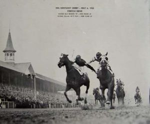 The famous photo of the 1933 Derby finish shows the jockeys fighting it out as BROKERS TIP (blinkers) and HEAD PLAY come to the finish.