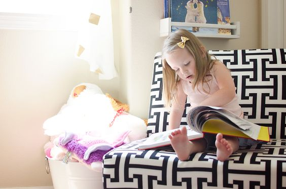 This geometric pattern chair in this big girl room is from (surprise!) Walmart! Adorable. #biggirlroom
