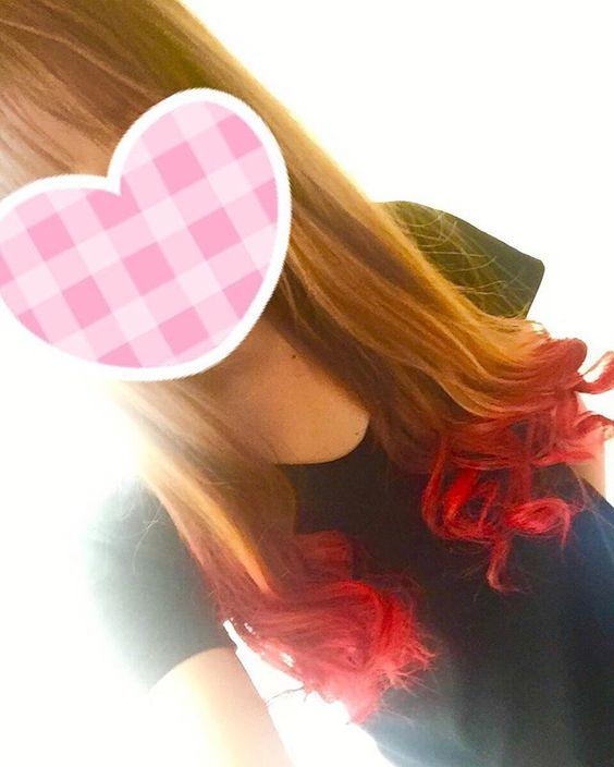 WEBSTA @ chi_e.0331 - 思ったより色明るすぎた。。#セルフカラー#赤髪#グラデーション#マニパニ#お母さん#絶叫w#早く色落ちしないかな