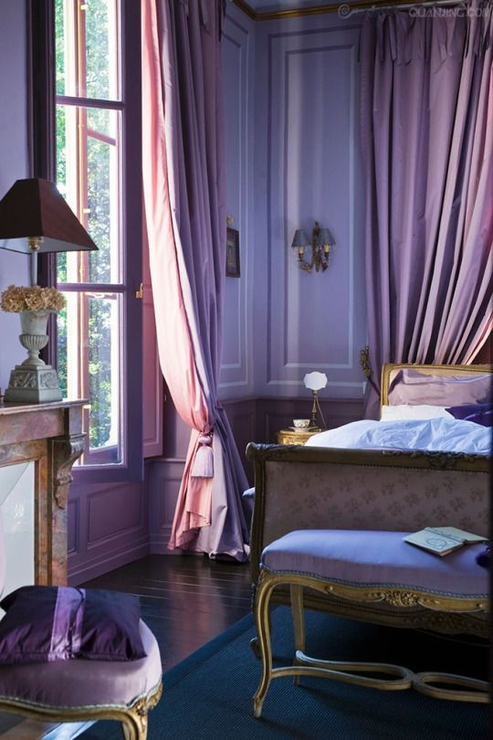 now this might just be the most gorgeous purple room I have ever seen: