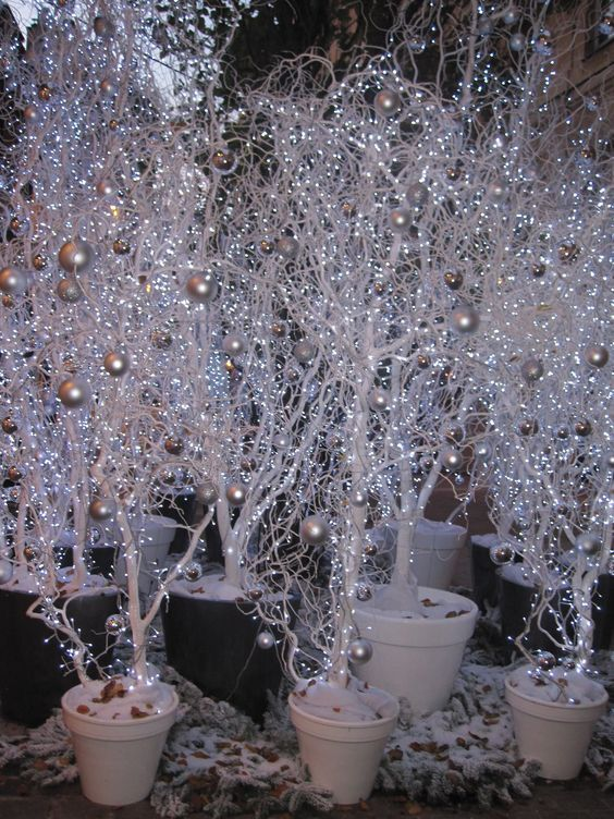 Diy Winter Branches For Christmas Decorations Winter Wonderland Decorations Christmas Crafts Diy Winter Wedding