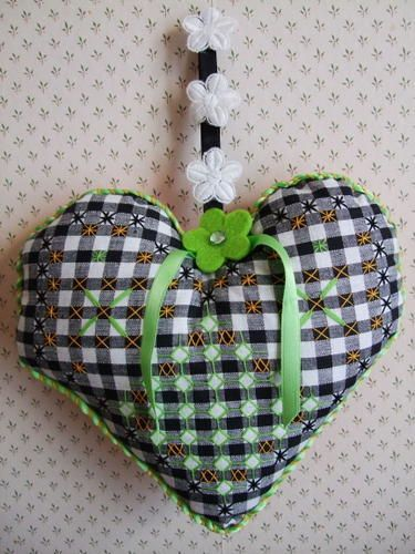Broderie suisse - cuore