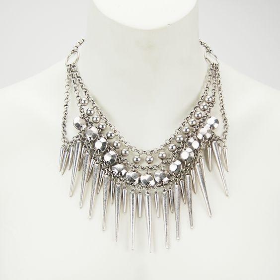 http://www.collectorsdock.com/product/gelaagde-ketting-zilver/ €7,45 i.p.v.€14,95