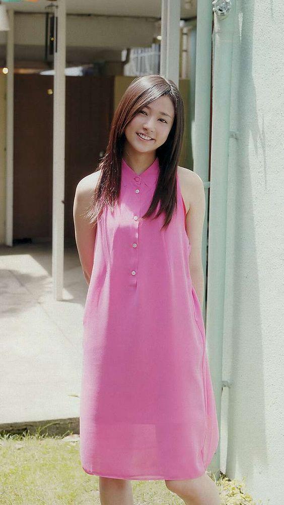 ピンクのお洋服の木村文乃