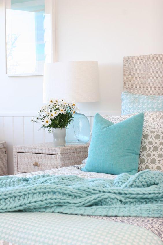 Coastal style bedrooms and aqua on pinterest for Beach bedroom ideas pinterest
