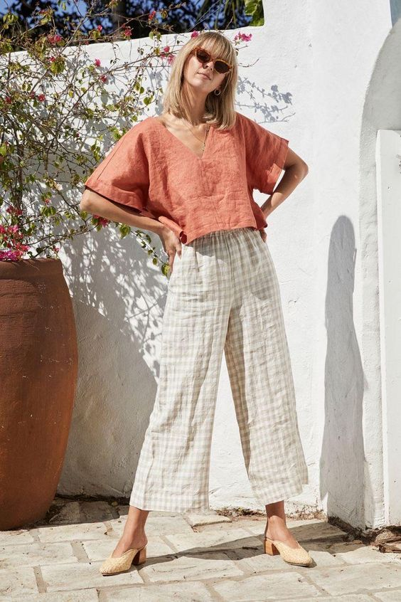 Wide leg pants otters suitable for linen? Im looking for something with pockets and an elastic waistband! I love the mini culottes but the price is a little out of my budget  #sewing #crafts #handmade #quilting #fabric #vintage #DIY #craft #knitting
