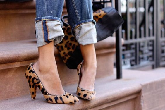 Folded cuff jeans with leopard print heels
