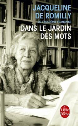 Depuis des années, Jacqueline de Romilly essaie de nous faire partager son amour de la langue française. Ce qu'elle veut, c'est nous en donner le goût, en insistant sur les beautés de cette langue plutôt que sur les dangers qui la menacent. À partir d'un mot qu'elle a choisi, elle cherche à en préciser le sens, l'étymologie, ainsi que l'évolution qui, en fonction des changements de la société, des découvertes scientifiques ou des réflexions des écrivains, a chargé ce mot de nuances…