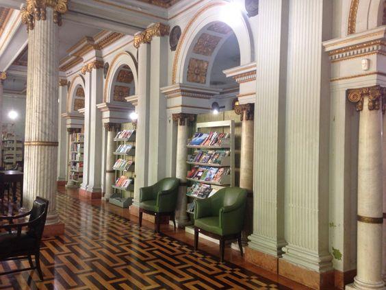 Biblioteca Pública de Porto Alegre. Reaberta depois de anos dedicados a obras estruturais.